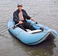 Рыбалка с лодки на реке: ловля рыбы на течении, как ловить рыбу